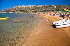 Sable orange à la baie de Rampa - île Gozo - Malte Photos libres de droits
