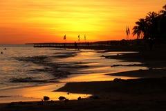 Sables chauds de la mer tropicale photographie stock libre de droits