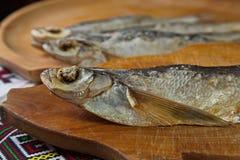 Sabrefish secados En la tabla Fotografía de archivo