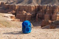 Sac à dos au-dessus de Sharyn Canyon photos stock