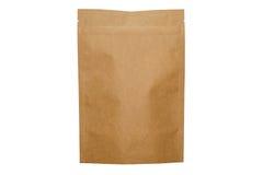 Sac de doypack de papier d'emballage avec la tirette sur le fond blanc Photographie stock