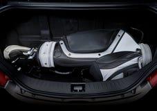 Sac de golf dans le tronc de voiture Image stock