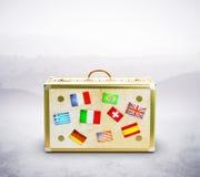 Sac de voyage avec des drapeaux Image stock