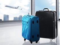Sac de voyage sur l'aéroport Image libre de droits