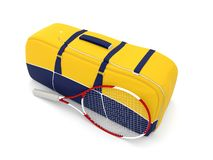 Sac et raquette jaunes de tennis Images stock