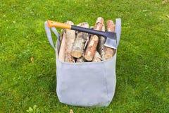 sac pour le bois de chauffage photo stock image du logs timber 34549930. Black Bedroom Furniture Sets. Home Design Ideas