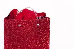 Sac rouge de cadeau   Image libre de droits
