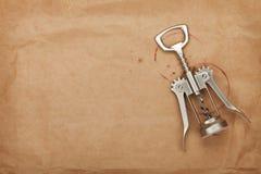 Sacacorchos con las manchas del vino rojo Imagen de archivo libre de regalías