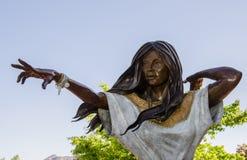 Sacajawea雕象在Sedona,亚利桑那 库存图片