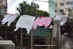 Sacchetti di plastica che si asciugano nel vento, Avana, Cuba Fotografia Stock Libera da Diritti