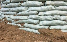 Sacchetti di sabbia per protezione di inondazione Fotografie Stock Libere da Diritti