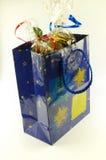 Sacchetto blu con i regali Fotografia Stock Libera da Diritti