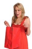 Sacchetto del regalo di apertura della donna Immagini Stock