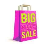 Sacchetto della spesa di carta di colore con il testo dell'annuncio Grande vendita di estate e sole dell'immagine sulla borsa per Immagini Stock