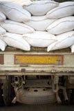 Sacchi del riso sul camion Fotografia Stock