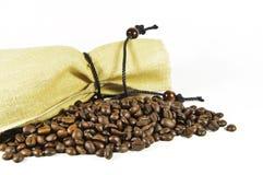 Sacco con i chicchi di caffè Fotografie Stock Libere da Diritti