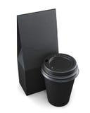 Sacco di carta e tazza neri su un fondo bianco rappresentazione 3d royalty illustrazione gratis