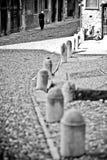 Sacerdote entre las iglesias Fotografía de archivo