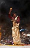 Sacerdote hindú en Varanasi, la India Imagen de archivo libre de regalías