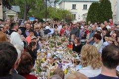 Sacerdote polaco en la ceremonia de Pascua Imagenes de archivo