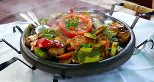 Sach -传统保加利亚食物 免版税图库摄影