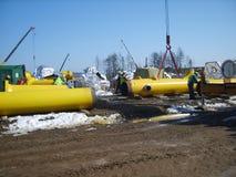 Sachalin, Russland - 12. November 2014: Bau der Erdgasleitung auf dem Boden Stockfotos