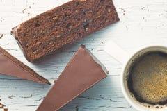 Sacher kaka och kaffe Royaltyfri Bild
