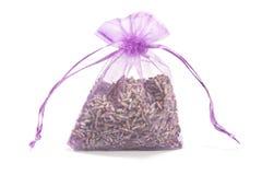 Sachet avec les fleurs sèches de lavande Image libre de droits