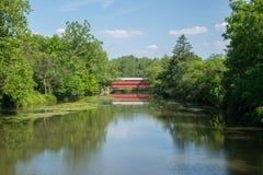 Sachs-Brücke mit Reflexion im Fluss in Gettysburg, Pennsylvania Lizenzfreie Stockbilder