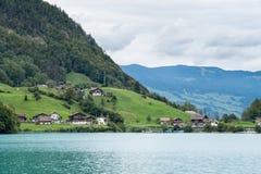 SACHSELN SWITZERLAND/EUROPA, WRZESIEŃ 22, -: Widoków domy along Fotografia Stock