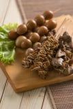 Saciar jeroan Culinária tradicional indonésia Imagens de Stock