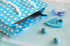 Saco azul do às bolinhas Fotos de Stock Royalty Free