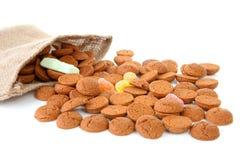 Saco com os doces holandeses típicos: pepernoten Fotografia de Stock Royalty Free
