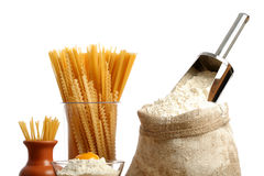 Saco com uma farinha e um macarrão Imagem de Stock Royalty Free