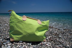Saco da praia, sonhos das férias de verão Fotografia de Stock Royalty Free