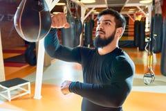 Saco de arena barbudo del boxeador imagenes de archivo