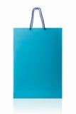Saco de compras azul, isolado com o trajeto de grampeamento no backgrou branco Fotografia de Stock