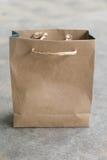 Saco de compras feito do marrom reciclado Fotografia de Stock