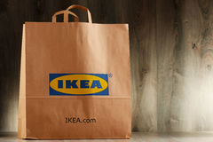 Saco de compras original do papel de IKEA Foto de Stock