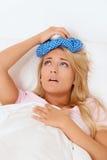 Saco de gelo para dores de cabeça e enxaqueca Imagens de Stock Royalty Free