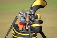 Saco de golfe e jogo dos clubes Imagem de Stock Royalty Free