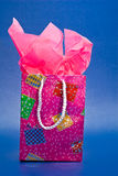 Saco e papel cor-de-rosa do presente Foto de Stock Royalty Free