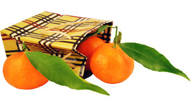 Saco e tangerinas com folhas Fotos de Stock