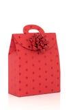 Saco vermelho do presente com curva Foto de Stock