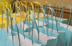 Sacos azuis e amarelos fotos de stock royalty free