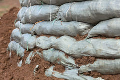 Sacos de areia para a proteção de inundação Fotografia de Stock