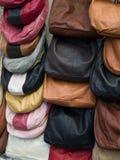 Sacos de couro na exposição em Itália Fotografia de Stock