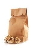 Sacos de papel com bulbos de flor foto de stock