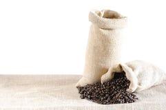 Sacos isolados de feijões de café Foto de Stock Royalty Free