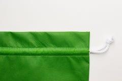 Sacos verdes de pano fotografia de stock